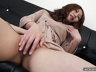 Solo act with a very cute Asian babe who's masturbating