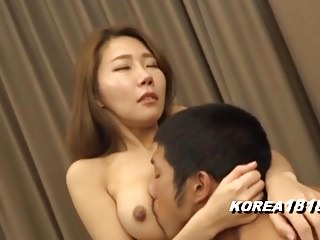 Korean Golf Instructor So SExy!!!be